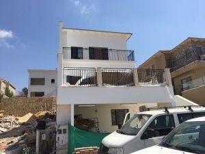 מעקות למרפסת מברזל